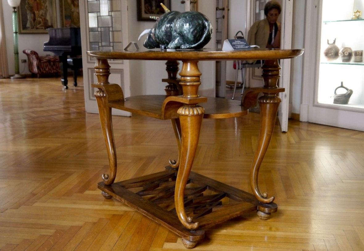 A table, designed by the architect Piero Portaluppi