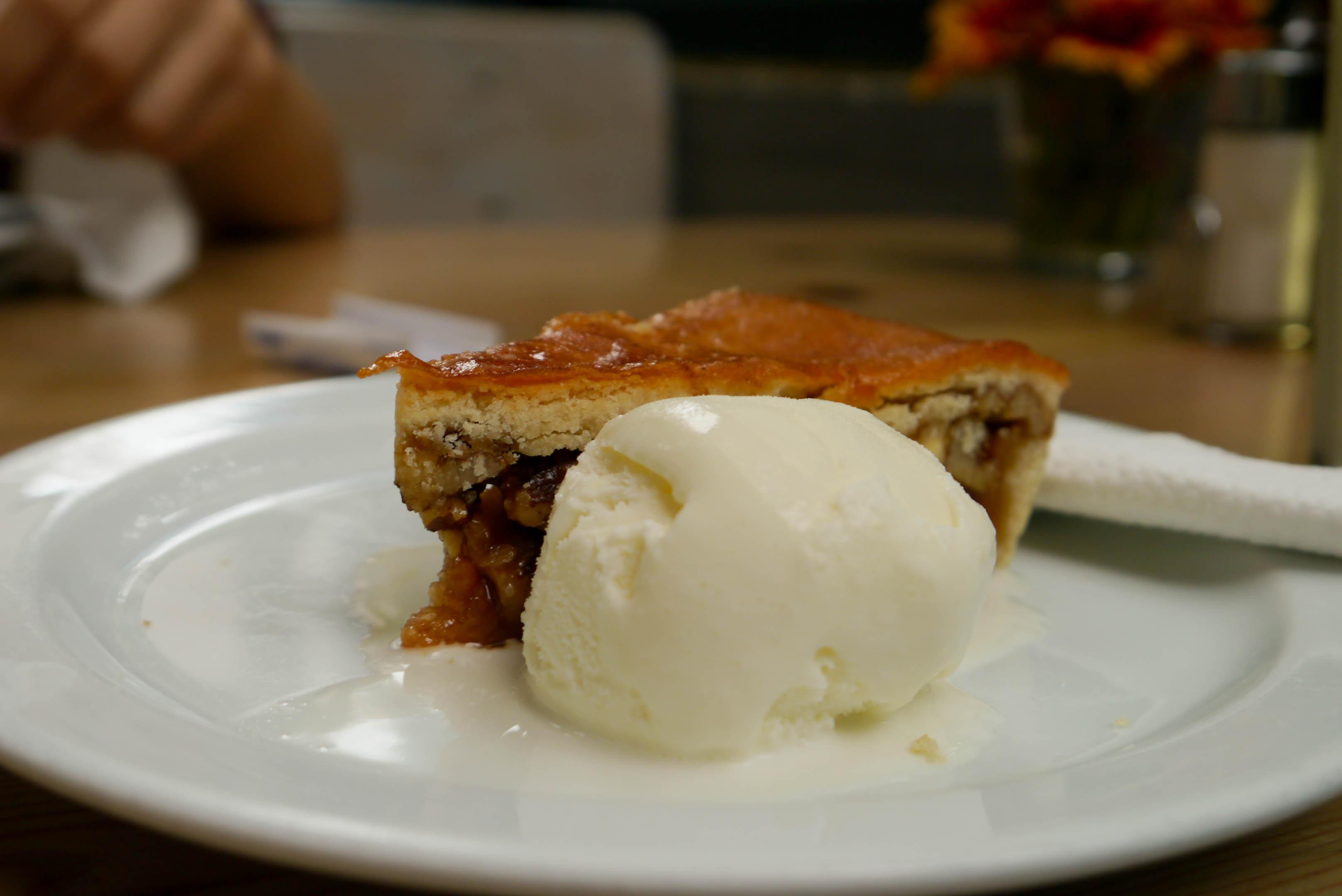 Apple Pie with ice-cream