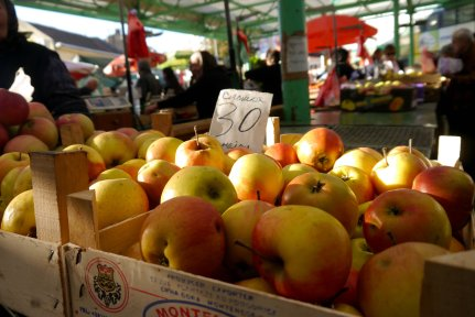 sunlight, apples, market, Belgrade