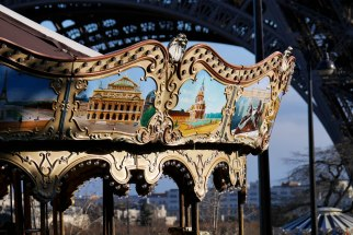 Carrousel, Paris