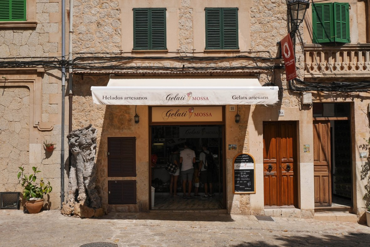Best gelateria in ValldemossaBest gelateria in Valldemossa