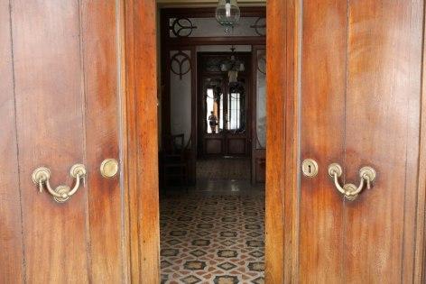 Open doors in Sóller