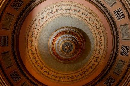 Bratsigovo, Theatre hall of Chitalishte Vasil Petleshkov, Ceiling