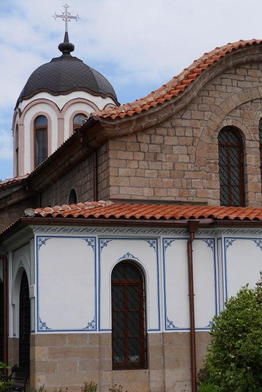 Bratsigovo, Church